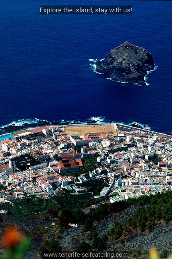 Looking Down On To The Town Of Garachico Tenerife Canary Islands Spain Ten Isla Canarias Islas Canarias Viajar Por España
