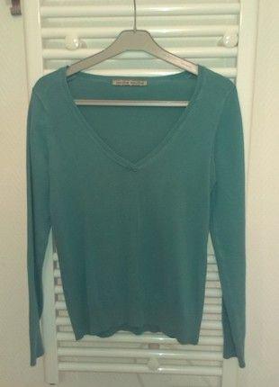 A vendre sur #vintedfrance ! http://www.vinted.fr/mode-femmes/sweat-shirts/12530768-pull-basic-cache-cache