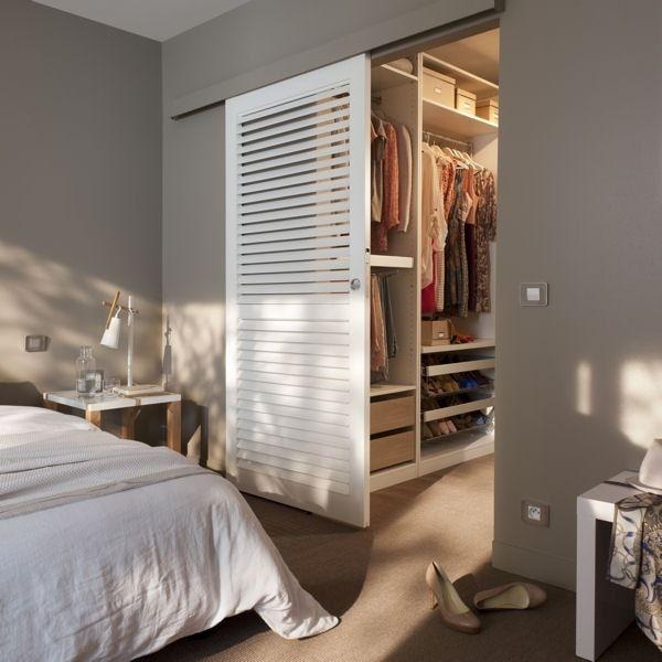 Une porte coulissante gain de place pinteres for Plan chambre parentale dressing et douche