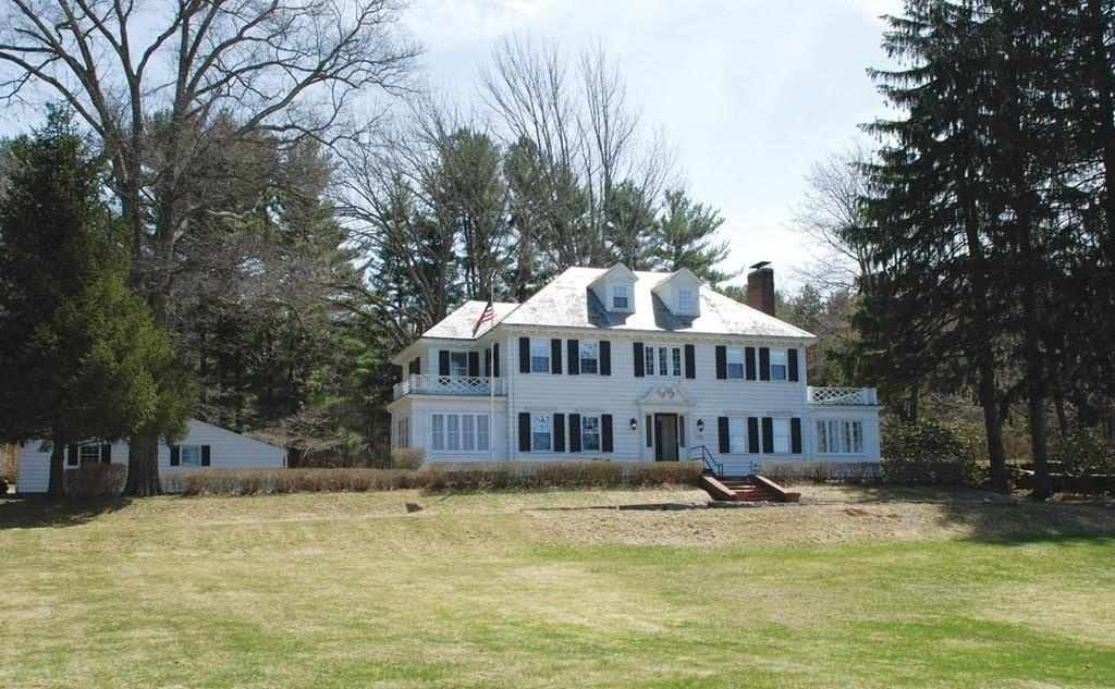 1930 Colonial Revival Douglas Ma 395 000 Old House Dreams