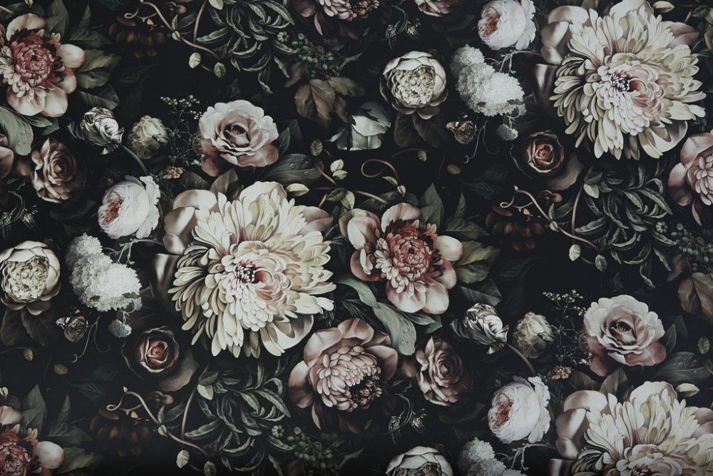 Dark Floral Bathroom in 2020 Vintage floral wallpapers