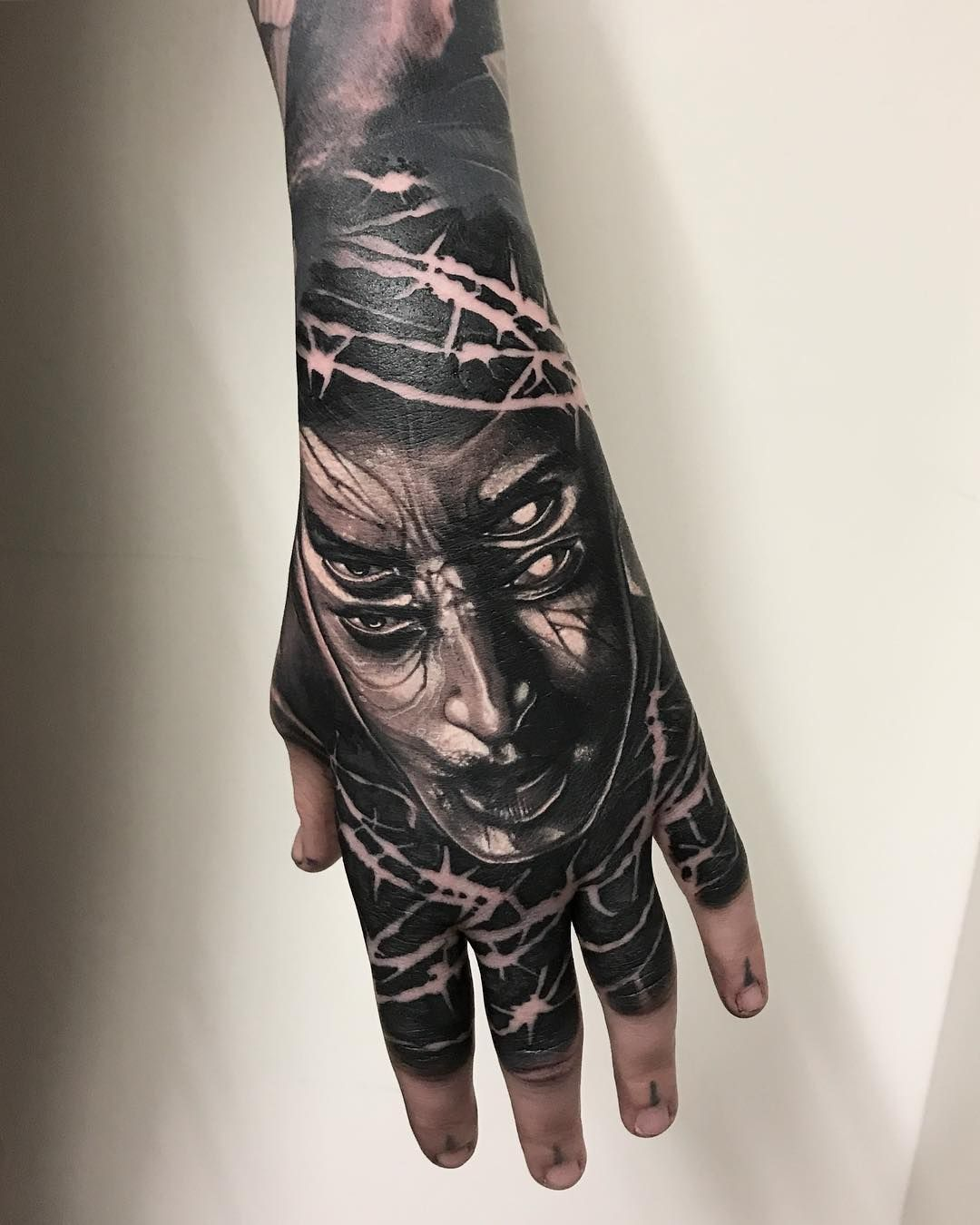 Glove For Hollieprycejones Thankyou Silverbackink Hustlebutterdeluxe Fkirons Killerink Hand Tats Dark Art Tattoo Body Art Tattoos