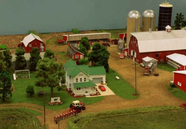 Display farm national show toy 1 64 scale model 2 for 1 64 farm layouts