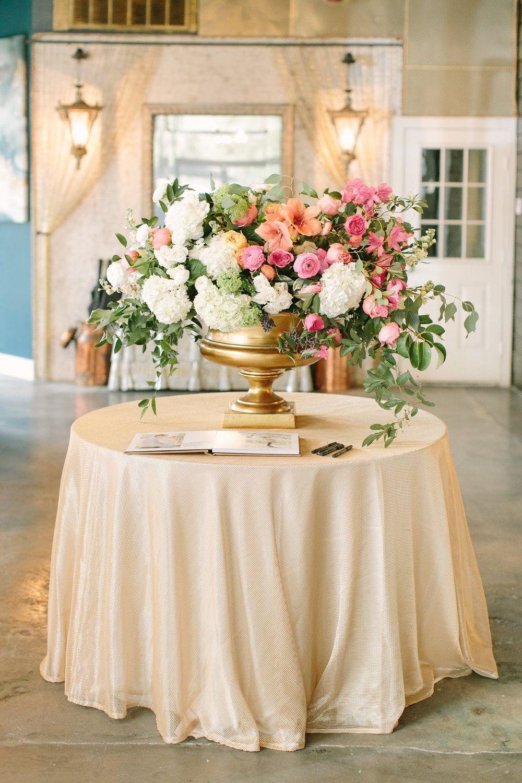 Maxit Flower Design Houston Texas High End Flower Event Florist And Wedding Designer Peach Wedding Flowers Silk Flowers Wedding Table Flower Arrangements