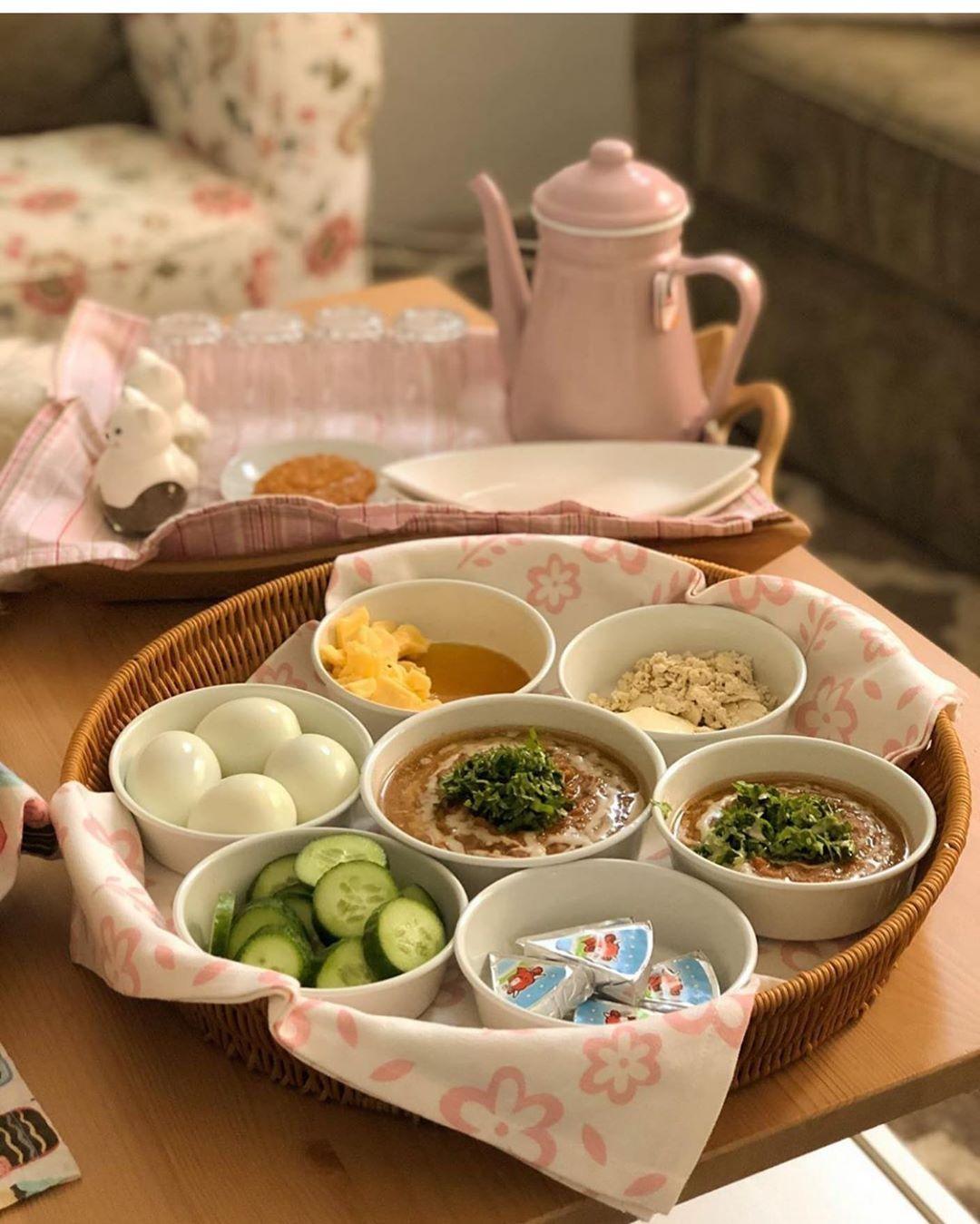 تقديماتكم وطبخاتكم On Instagram من أعظم الدعوات اللهم إني أعوذ بك من زوال نعمتك وتحول عاف Breakfast Wraps Breakfast Table Setting Aesthetic Food