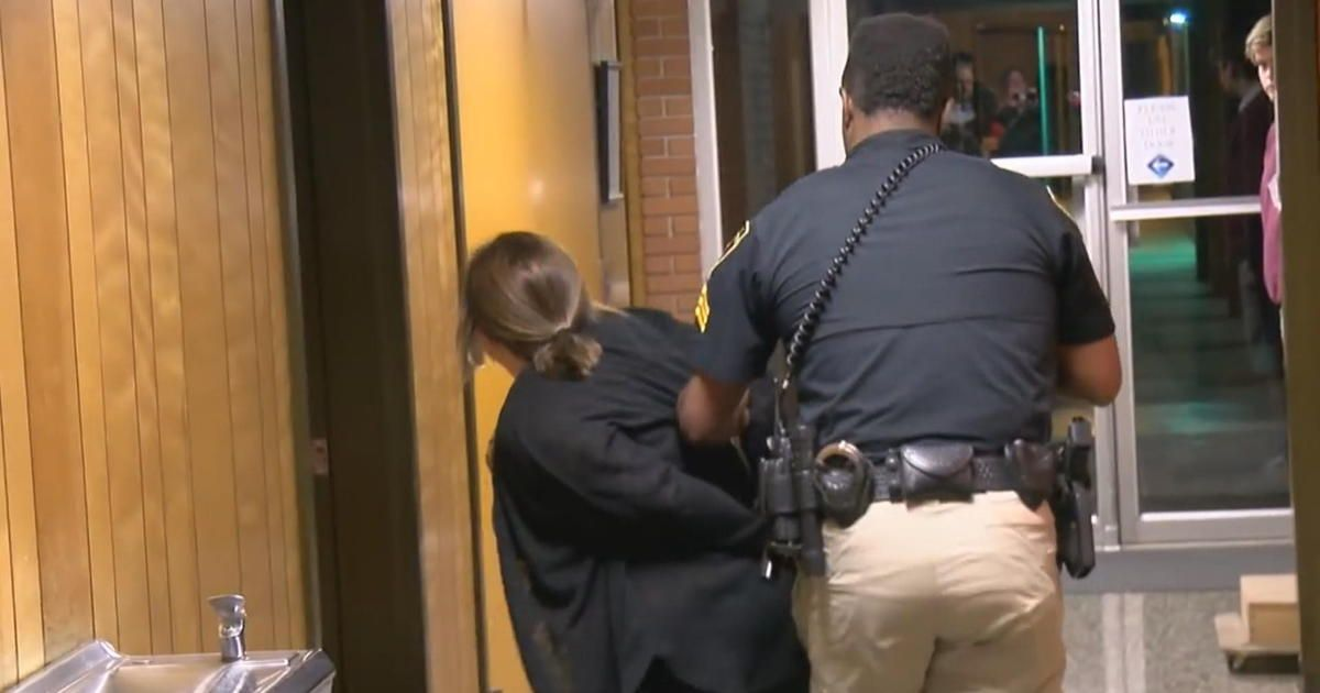 Colleagues rally around handcuffed teacher as louisiana