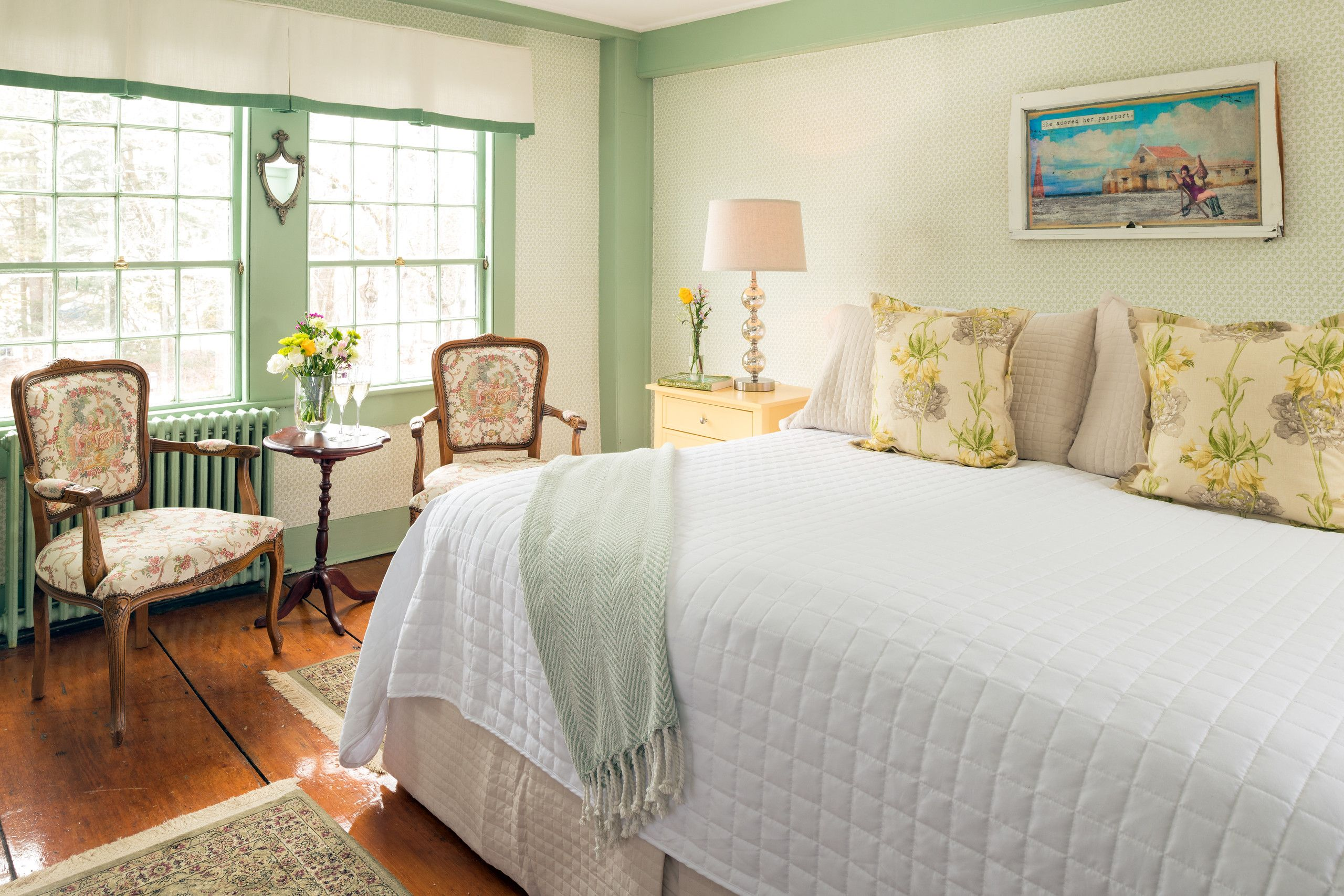 The Green Room Maine bed and breakfast, Bed and