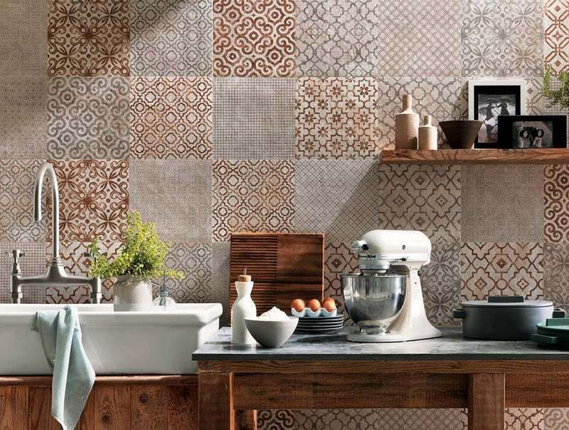 Cr dence cuisine carreaux de ciment patchwork et for Decoration faience cuisine