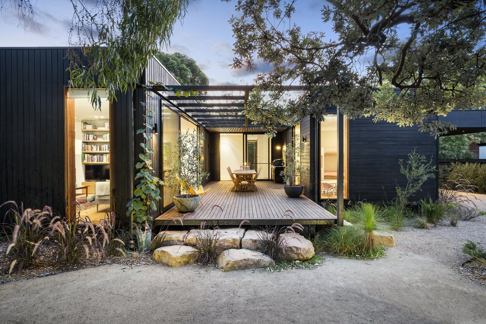 The Merricks Beach House By Prebuilt Simple House Exterior House Designs Exterior Simple House Exterior Design