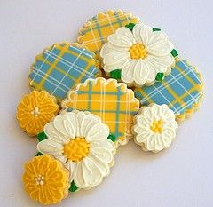 Flower Cookies - Spring Daisies and Plaids