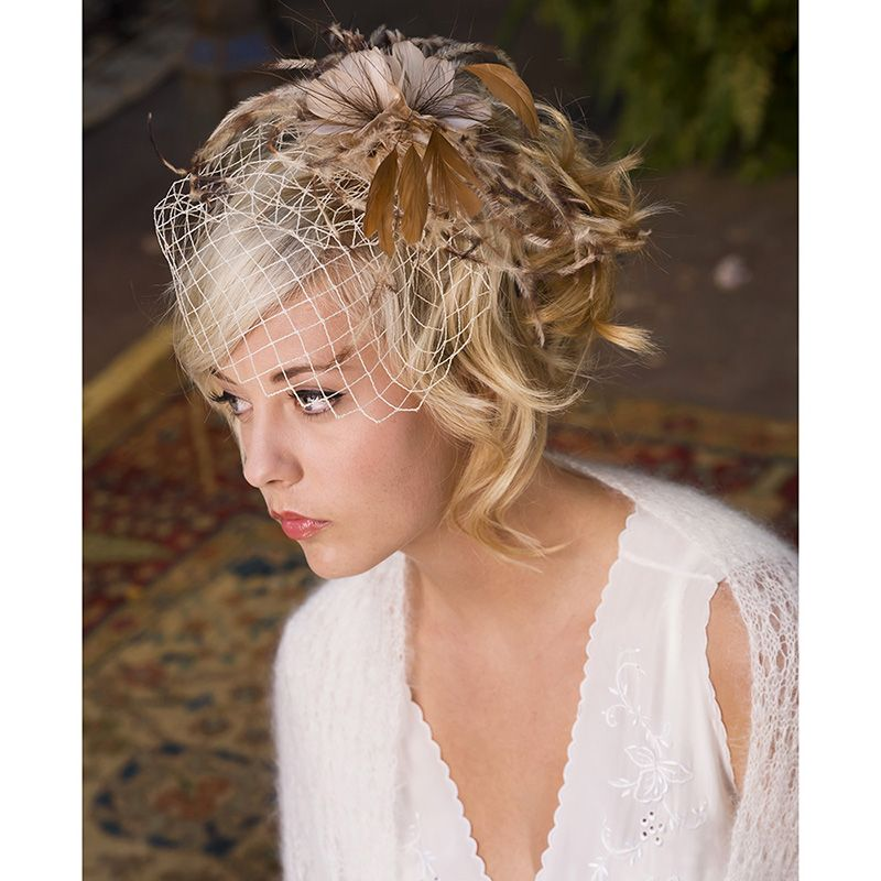 wedding feather with russian veil | Short hair bride, Hairdo wedding, Short wedding hair
