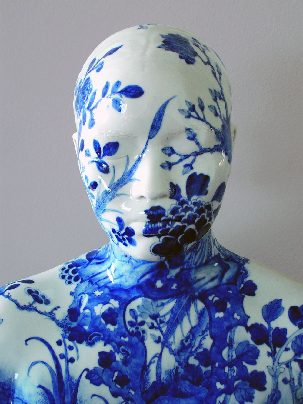 Decorative Porcelain Busts by Ah Xian Have Special Meaning
