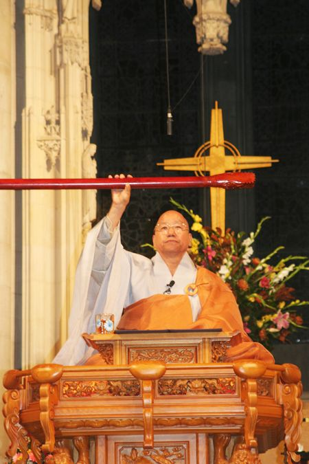 "Ven. Jinje, one of the greatest living masters of the practice of ""Seon (Zen),"" gives a Dharma talk at Riverside Church in New York on Sept. 15."