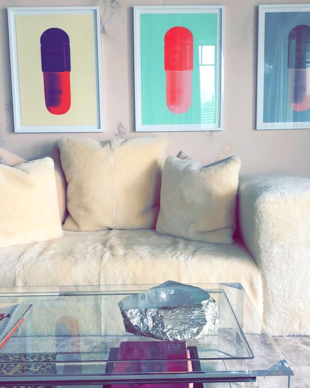 Kylie S Master Bedroom Sitting Area Via Snapchat Kyliejennerhouse Interior Design Kylie Jenner House Master Bedroom Sitting Area Bedroom With Sitting Area