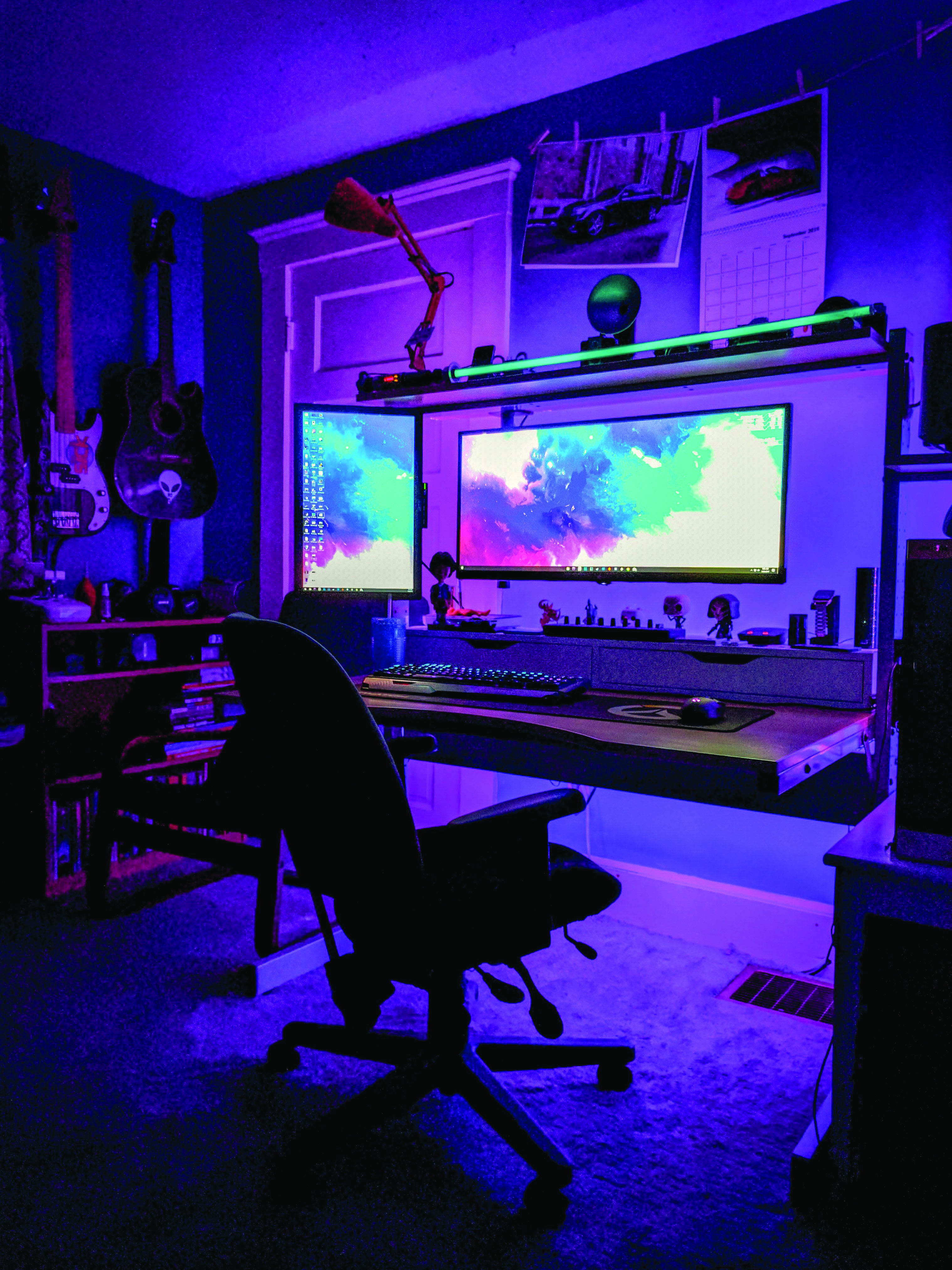 Graceful Best 2 Monitor Gaming Setup That Look Beautiful Computer Gaming Room Game Room Decor Computer Room