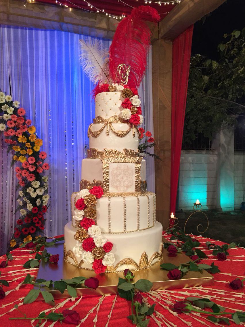 Wedding Cake #roses #fresh #yum