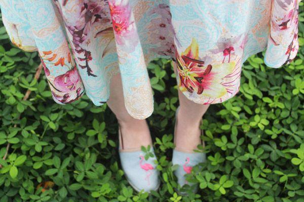 Look: Vestido Pin Up - Na Garupa da Vespa  #retro #modaretrô #vintagefashion #dress #pinupdress #flamingo #shoes