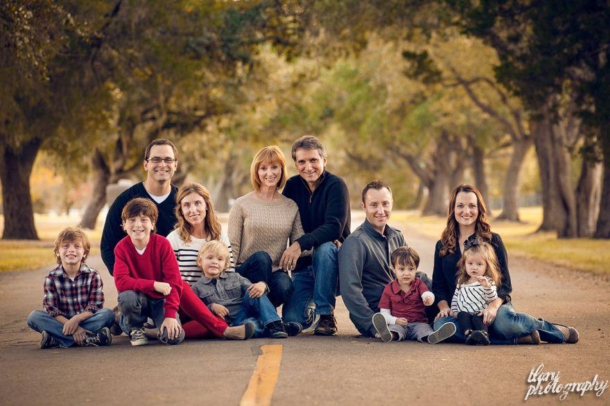 как правильно фотографировать большую семью нашел