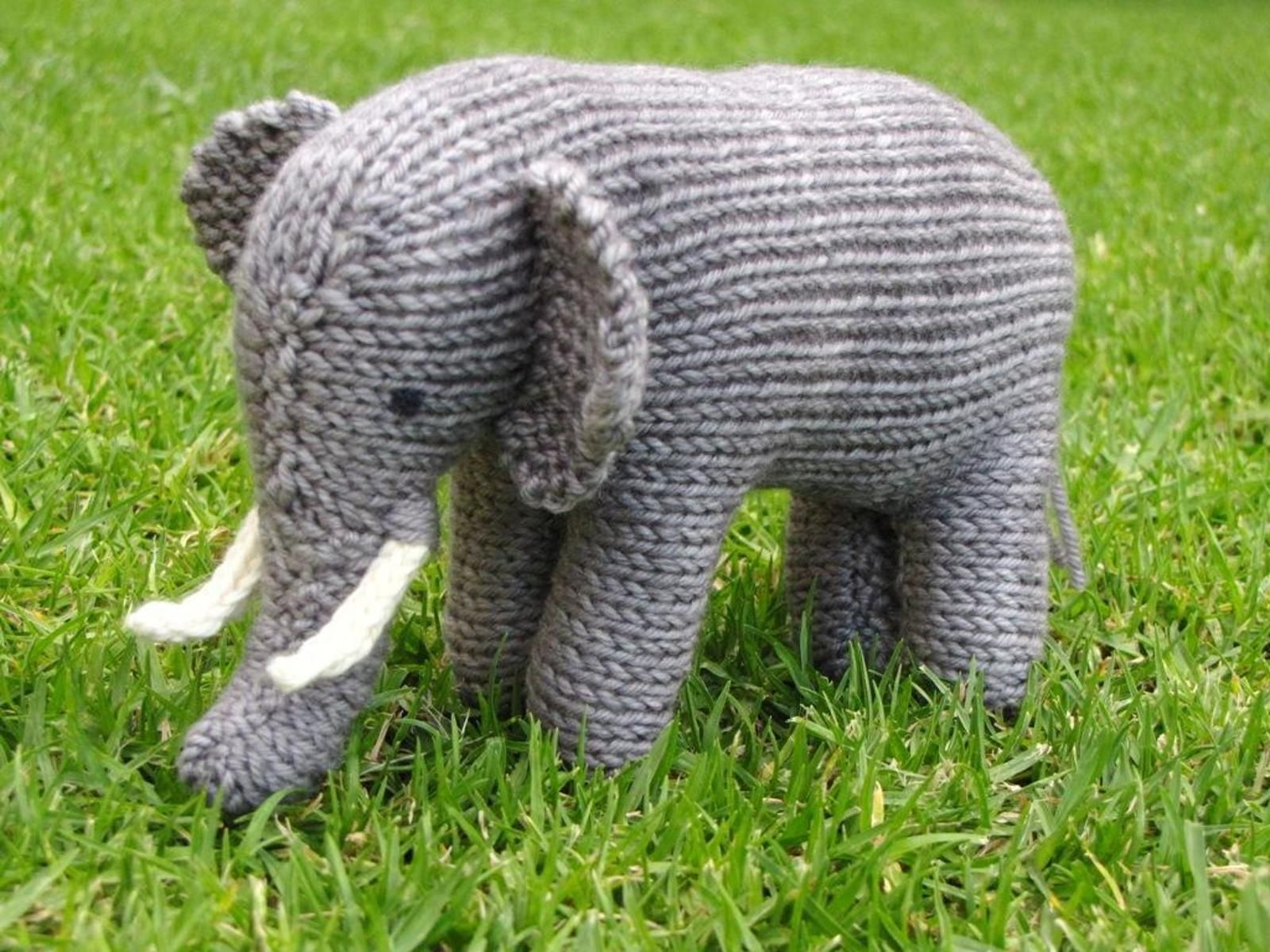 12 Cute Knitted Elephant Patterns | Knitting patterns, Patterns and ...