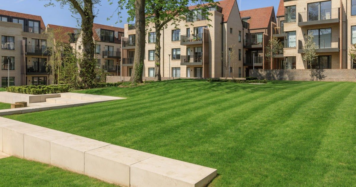 The Garden Apartments Woodside Square Muswell Hill What Is A Garden Apartment Guides Brownstoner Portland Apartment Garden Apartment Guide Apartment Building