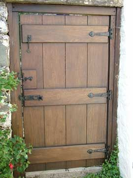 Nice A Garden Gate Using Both Cast Iron And Aluminum Hardware. The Aluminum Bolt  Was Used In Combination With The Cast Iron Thumb Latch To Provide Privacy; .