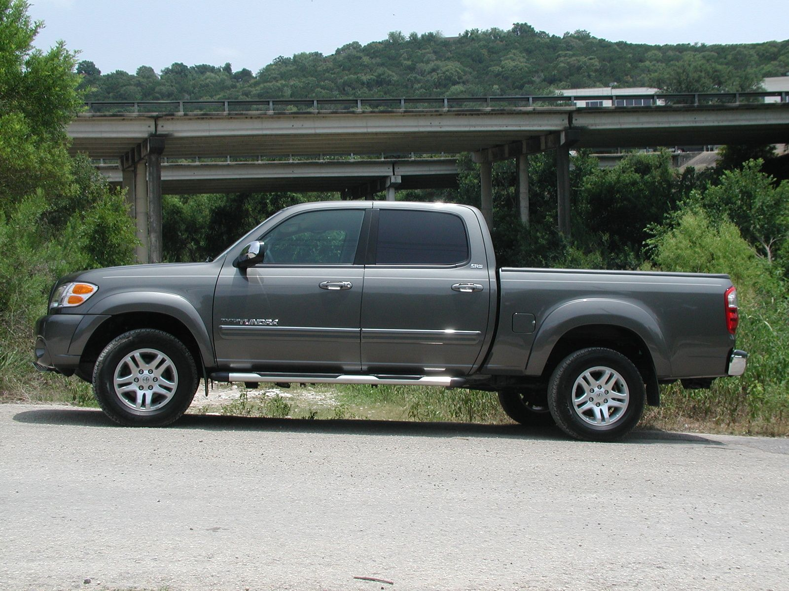 2004 toyota tundra limited 4dr double cab 4wd sb v8 autos post. Black Bedroom Furniture Sets. Home Design Ideas