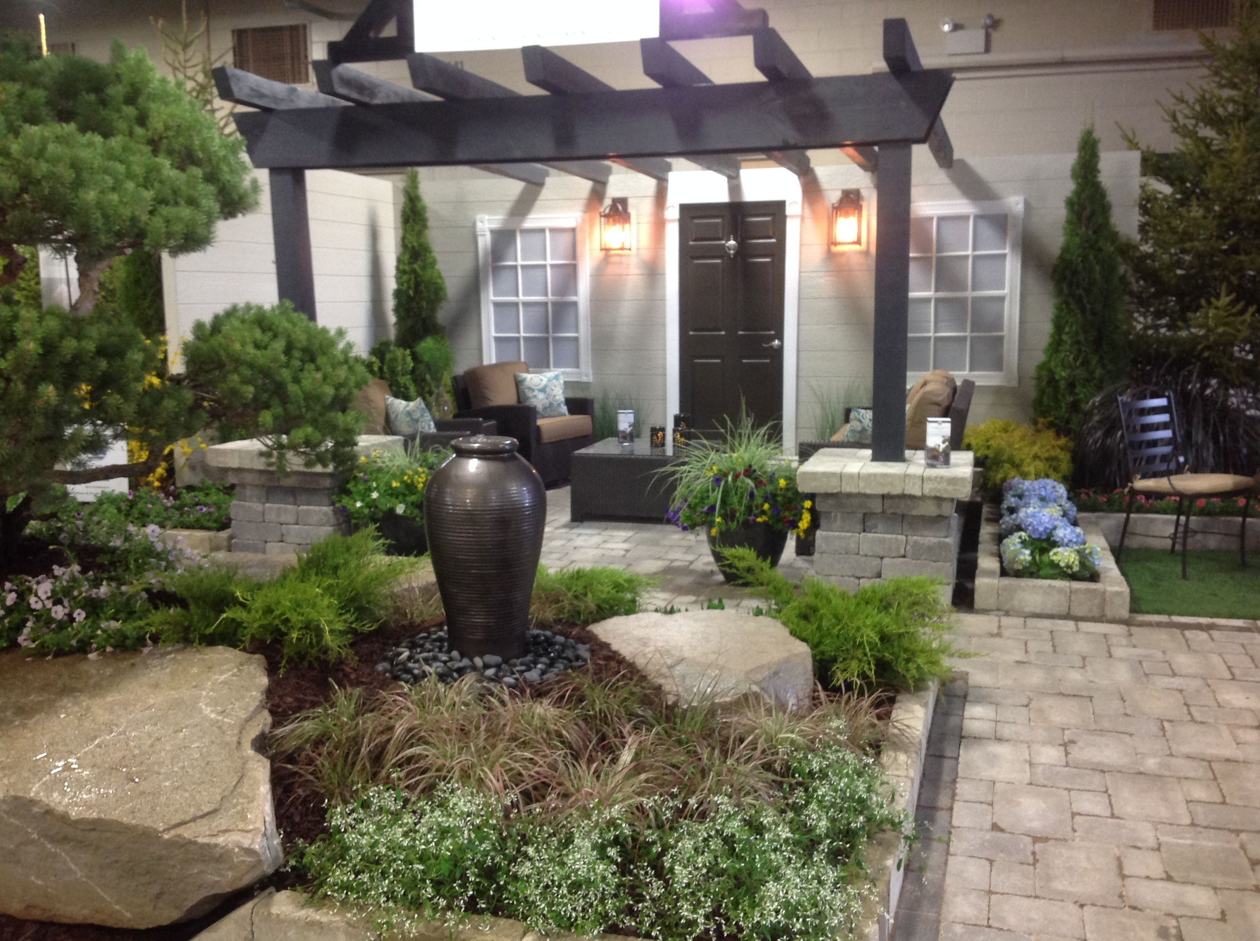 2015 home and garden show booth at msu