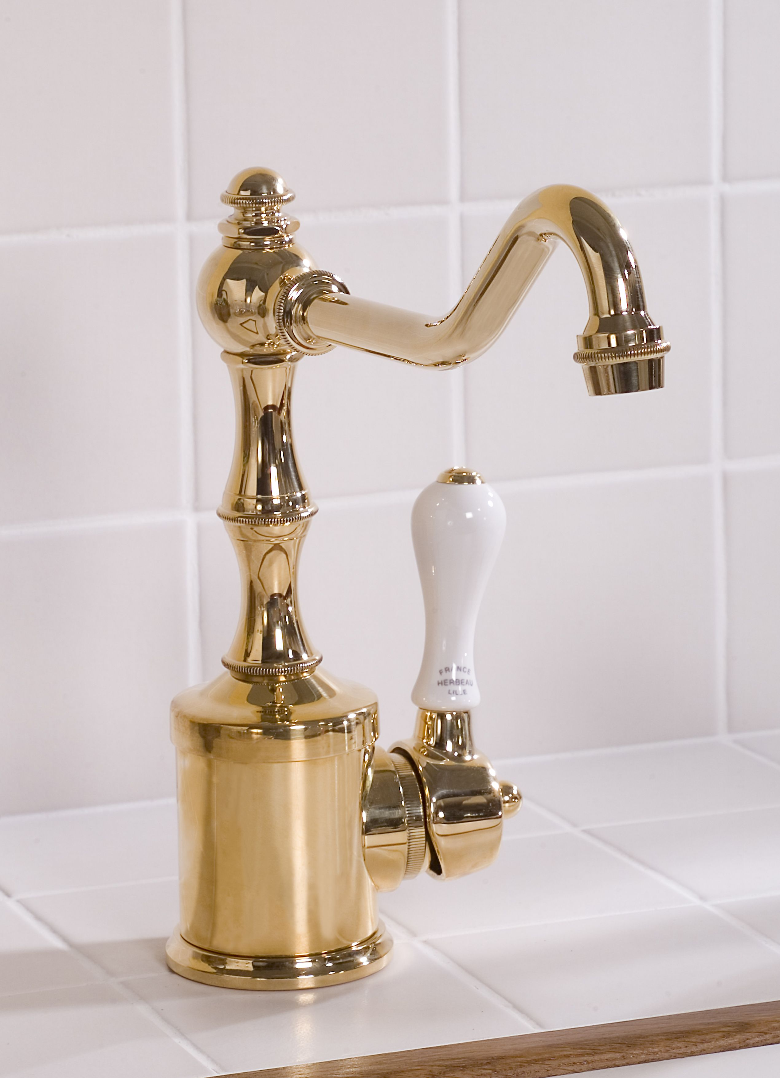 Kitchen Couture Herbeau Royale faucet in Polished Brass | Herbeau ...