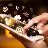 Web4.0 : le numérique au-delà du physique  ||   Si l'on a pris l'habitude que notre smartphone nous assiste dans toutes les tâches du quotidien (consulter la météo, vérifier son agenda, connaître l'horaire du prochain train…), le geste de sortir notre téléphone de notre poche et de consulter l'application idoine pourrait bien nous paraître fastidieux dans quelques années. Car désormais, notre…