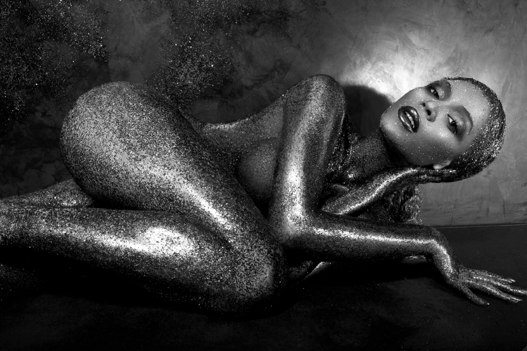 Here's a sneak peek into the Summer Edition of Flaunt Magazine featuring Beyoncé! For the full spread visit http://www.beyonce.com/news/flaunt