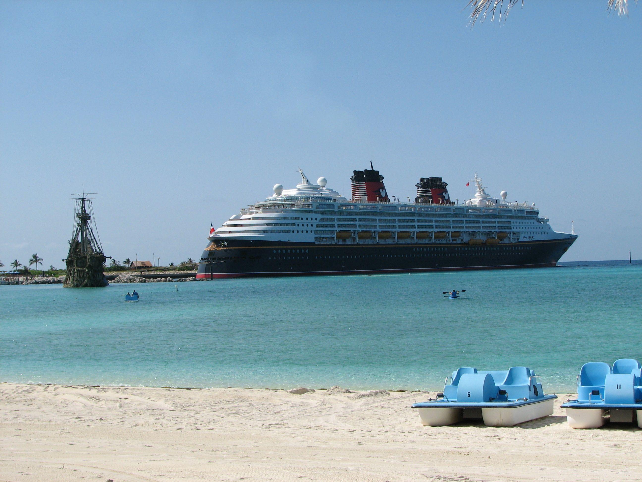 The Amazing Disney Magic Cruise Ship Night Cruise To The - Track disney cruise ship