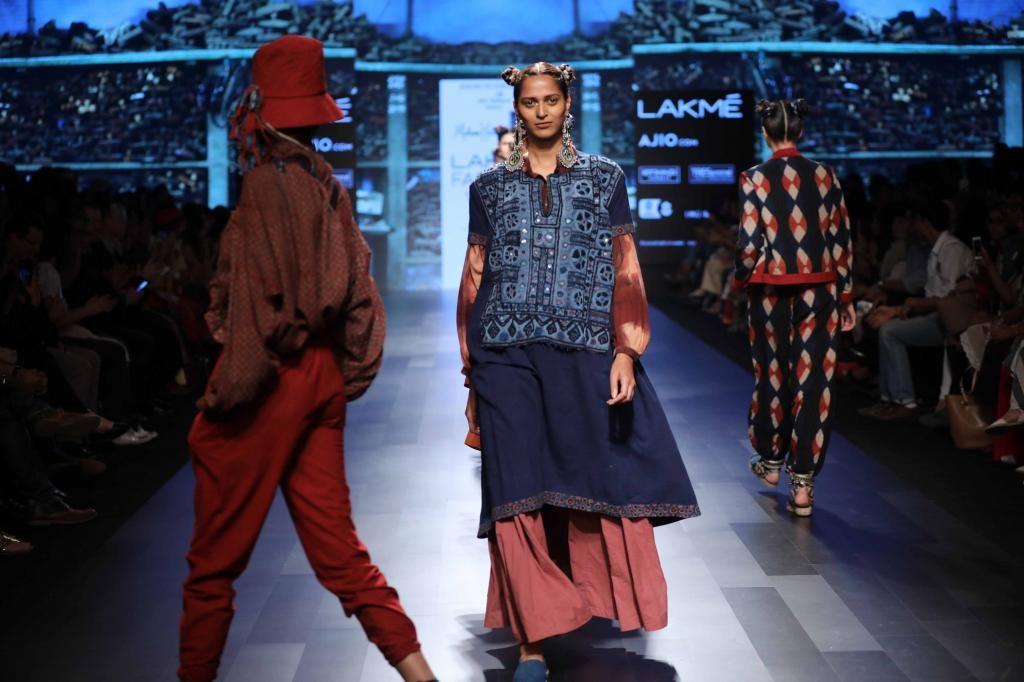 Artisans of Kutch - Lakme Fashion Week SR17 - Look 17