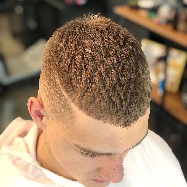 29 Kahle Haarschnitte Fur Manner 2020 In 2020 Haarschnitt Herrenhaarschnitt Haarschnitt Manner