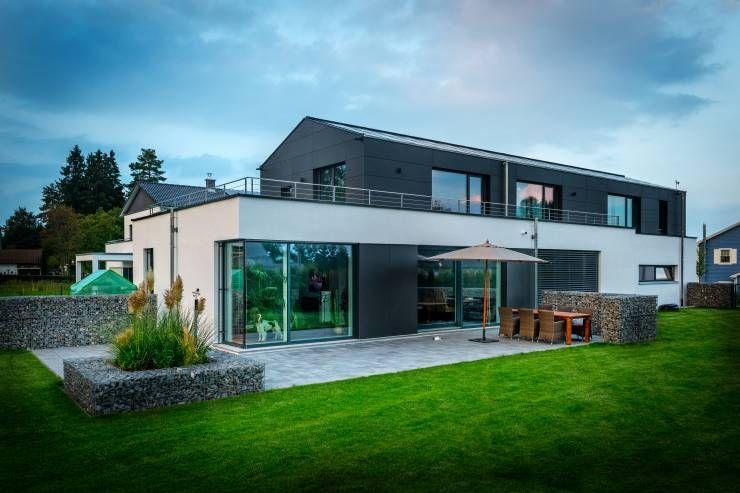 Maison #bioclimatique sur terrain en pente    wwwm-habitatfr - maison sur terrain en pente