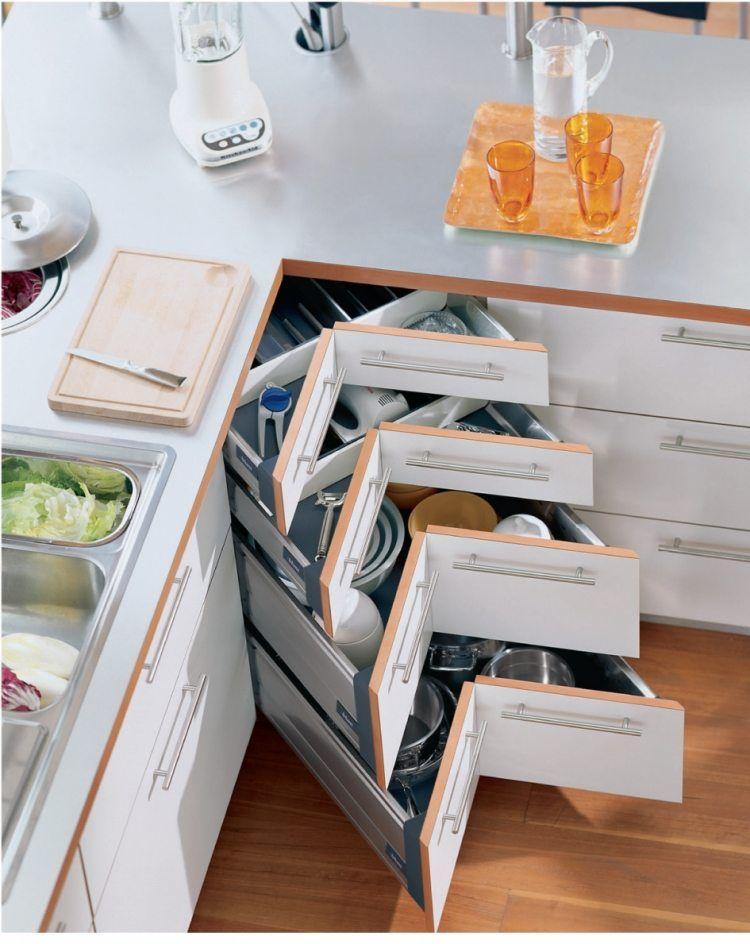 organisation-kuchen-schubladen-eckig-stauraum-toepfe-geschirr - schubladen ordnungssystem küche
