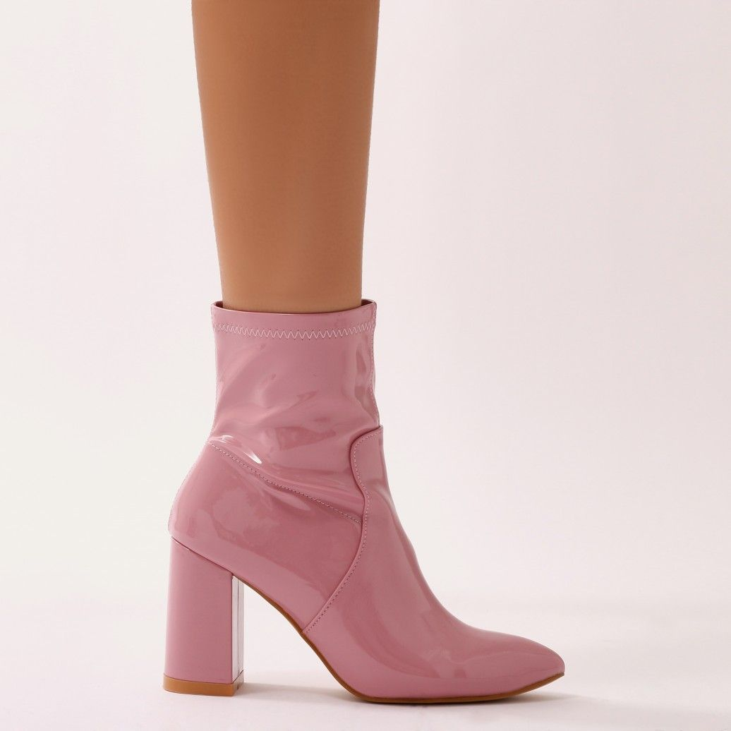 Raya Pointed Toe Ankle Boots in Black