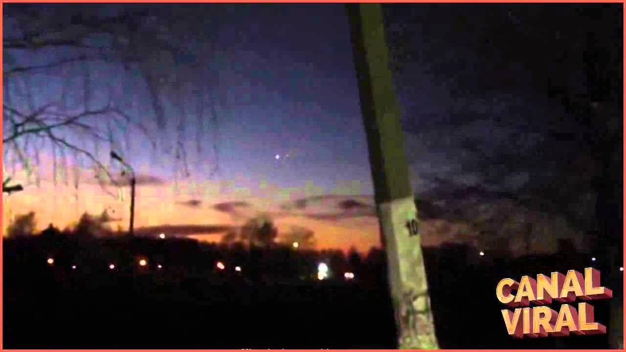 HD Ovnis volando en el cielo de Rusia | Canal viral