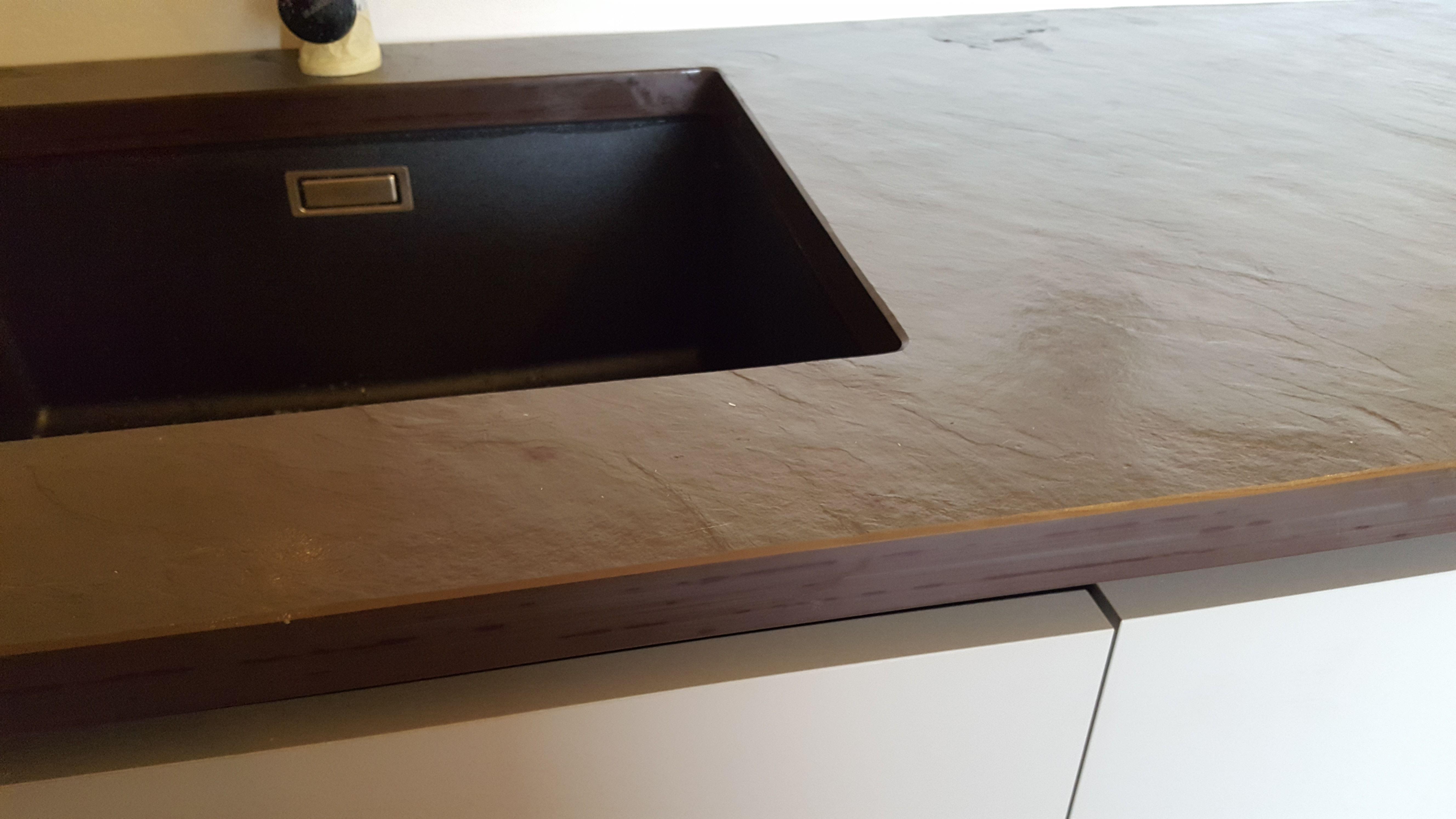 Top cucina in ardesia bord piano naturale con lavello for Foro areazione cucina