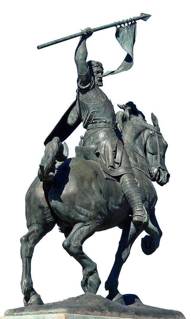 Rodrigo Díaz de Vivar, El Cid (Vivar del Cid, Burgos 1048 – Valencia, 1099) fue un caballero castellano que llegó a dominar al frente de su propia mesnada el Levante de la península ibérica a finales del siglo XI de forma autónoma respecto de la autoridad de rey alguno. Consiguió conquistar Valencia y estableció en esta ciudad un señorío independiente desde el 17 de junio de 10944 hasta su muerte; su esposa Jimena Díaz lo heredó y mantuvo hasta 1102, cuando pasó de nuevo a dominio musulmán.