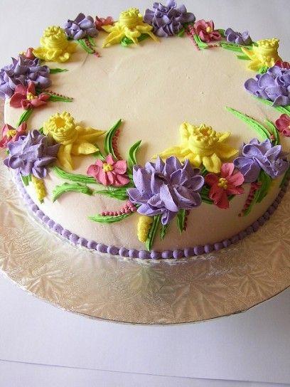 Torta decorata con fiori , Torta decorata con fiori di crema di burro.