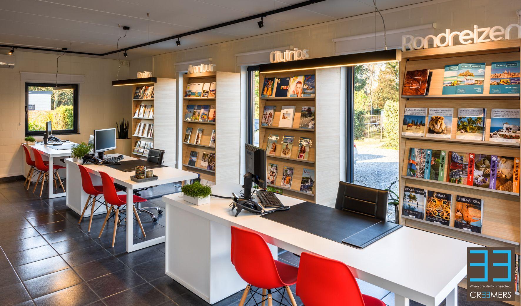 Kantoor en ontvangstruimte van reisbureau de Reisboetiek in Rotem ...