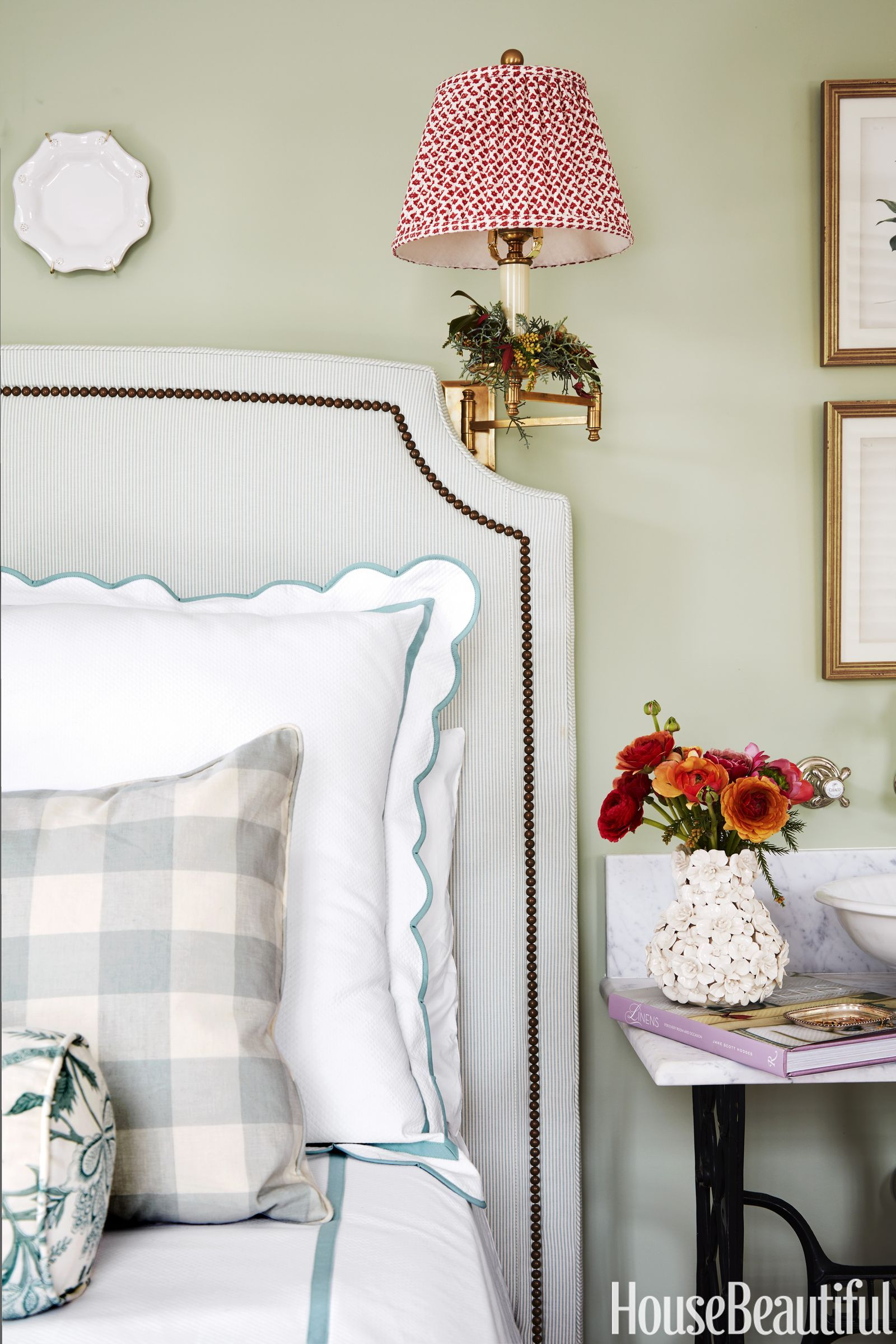 17 Dreamy Green Bedrooms (With images) Bedroom green