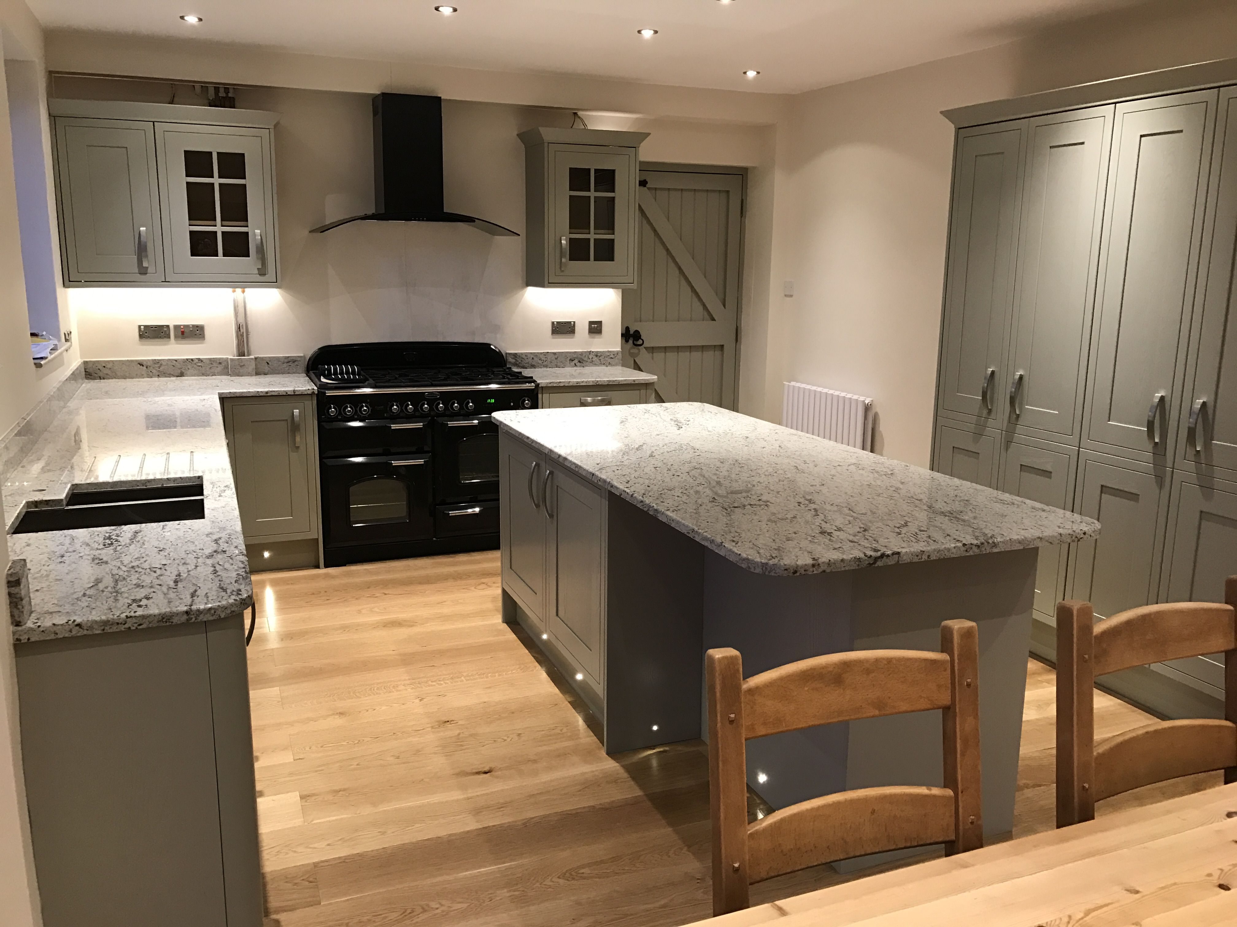 Howden's Tewkesbury Framed Skye kitchen with antique white