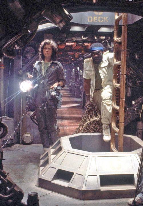 Sigourney Weaver, Yaphet Kotto in alien 1973 film Aliens