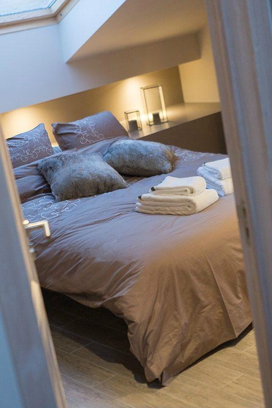 La decobelge hotels chambres d 39 h tes b and b relais et chateaux g te guesthouse el - Eclairage chambre mansardee ...
