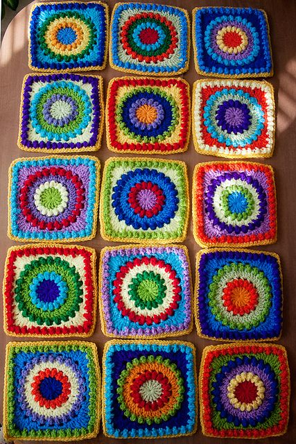 Circle of Friends: One of my favorite square patterns!