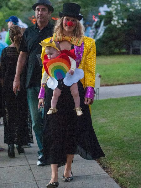 Molly Sims and Her daughter Scarlett Trick-or-Treat