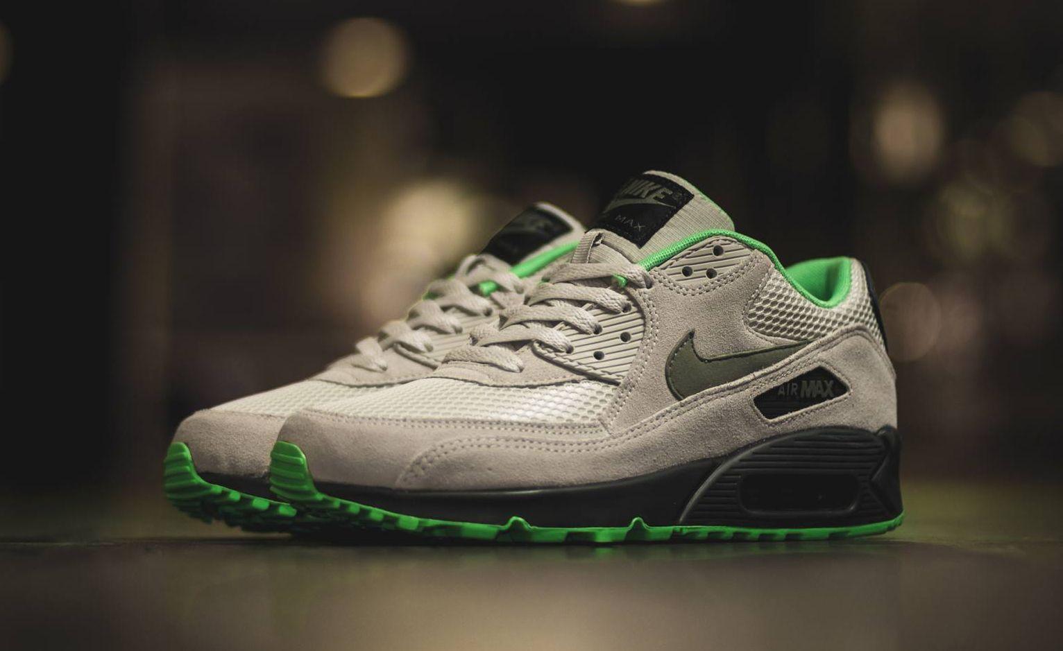 nike air max 90 green sole