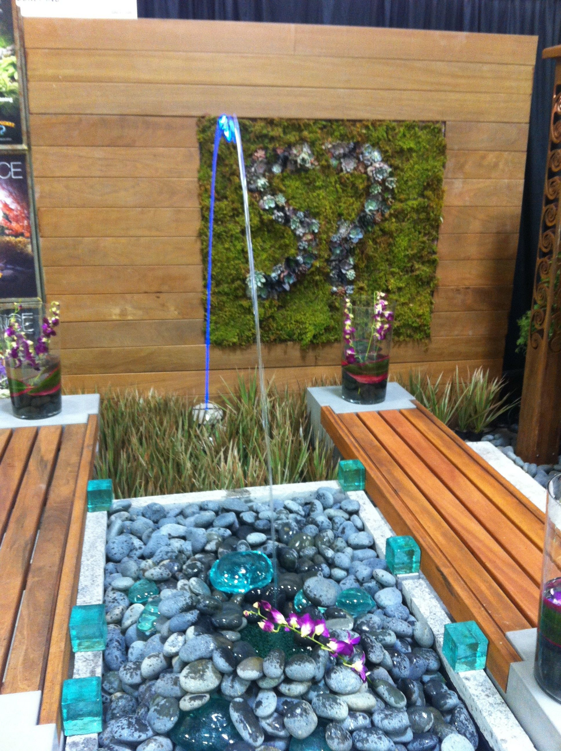 Laminar Fountain And Green Wall At Minneapolis Home And Garden Show