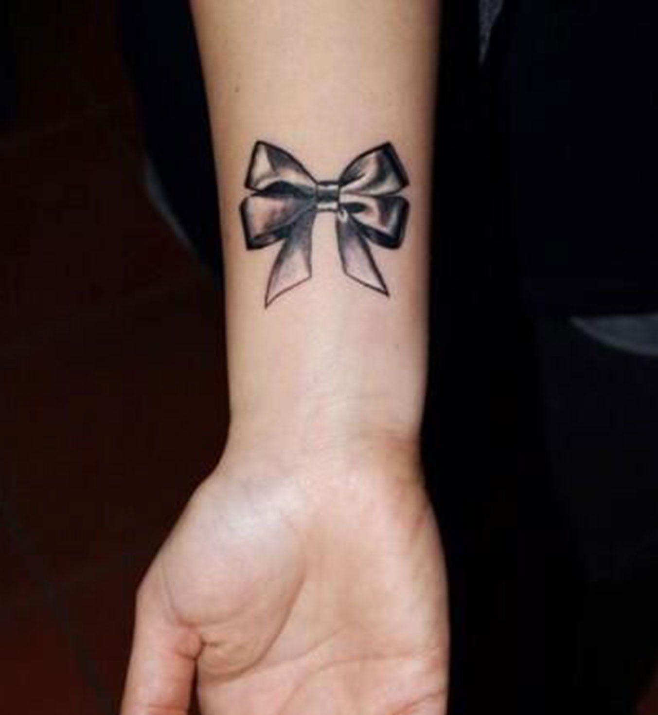 Idees De Tatouages Pour Le Poignet Un Nœud Papillon Inspiration